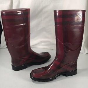 Burberry rain boots cranberry & black size  39